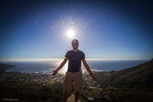 In arrampicata sulla Table Mountain....