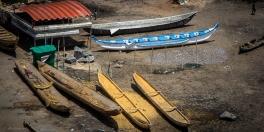 Le barche da pesca sono un pezzo unico di legno, vengono scavate direttamente dai tronchi