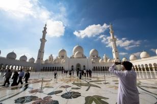 Emirati arabi, sfarzose moschee