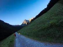 Freddi mattutini in cammino verso Col del la Croix du bonomme