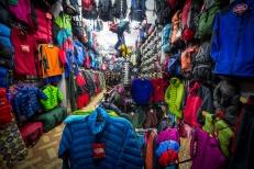 """Decine di negozi """"specializzati"""" in articoli da montagna"""